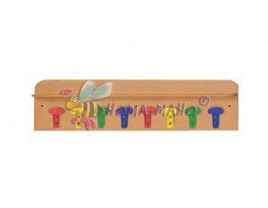 mobiliario guarderias estantes con perchas